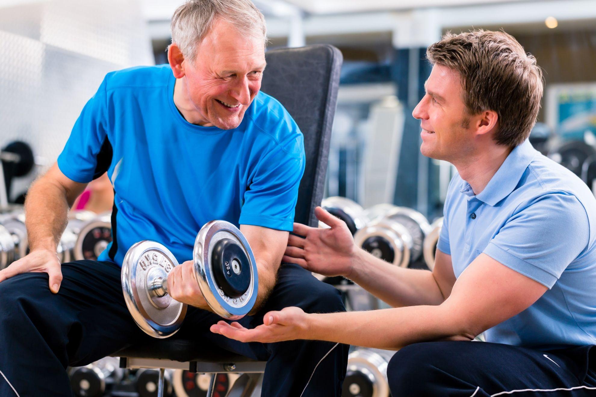 immer mehr senioren gehen ins fitness studio drehscheibe. Black Bedroom Furniture Sets. Home Design Ideas